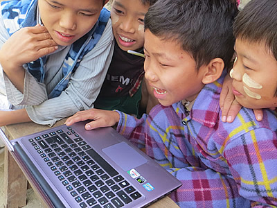 children-laptop-mandalay-myanmar-globalonly-foundation